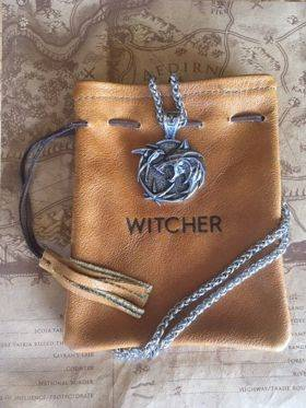 New premium Witcher Trio Medallion with Leather Pouch